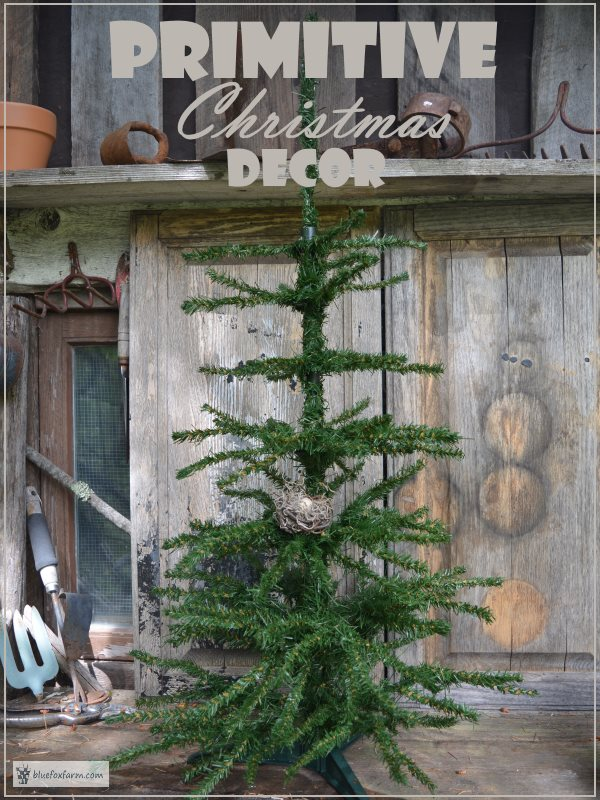 Primitive Christmas Decor   Country Primitive Decor for a Rustic     Primitive Christmas Decor