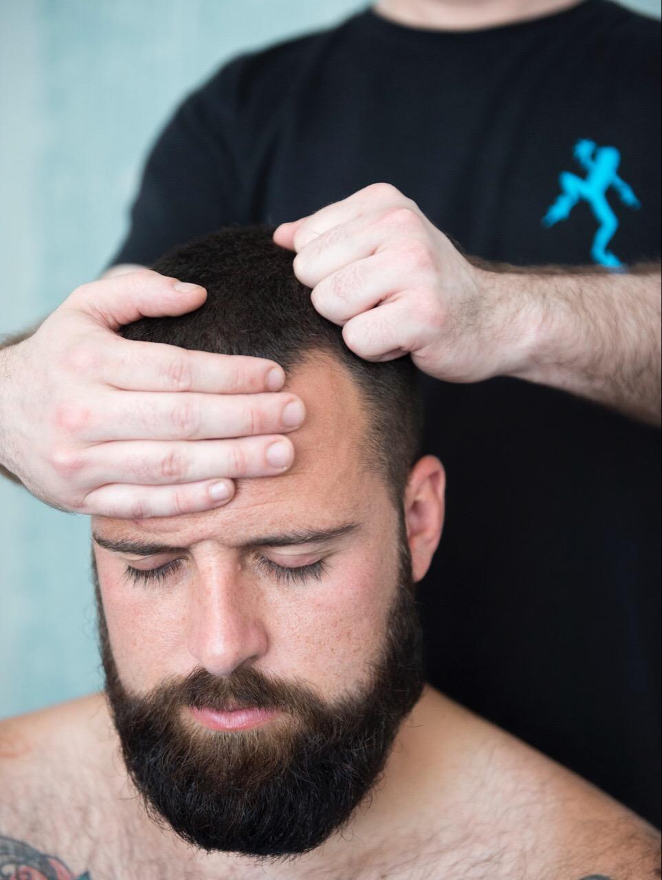 relaxing-head-massage