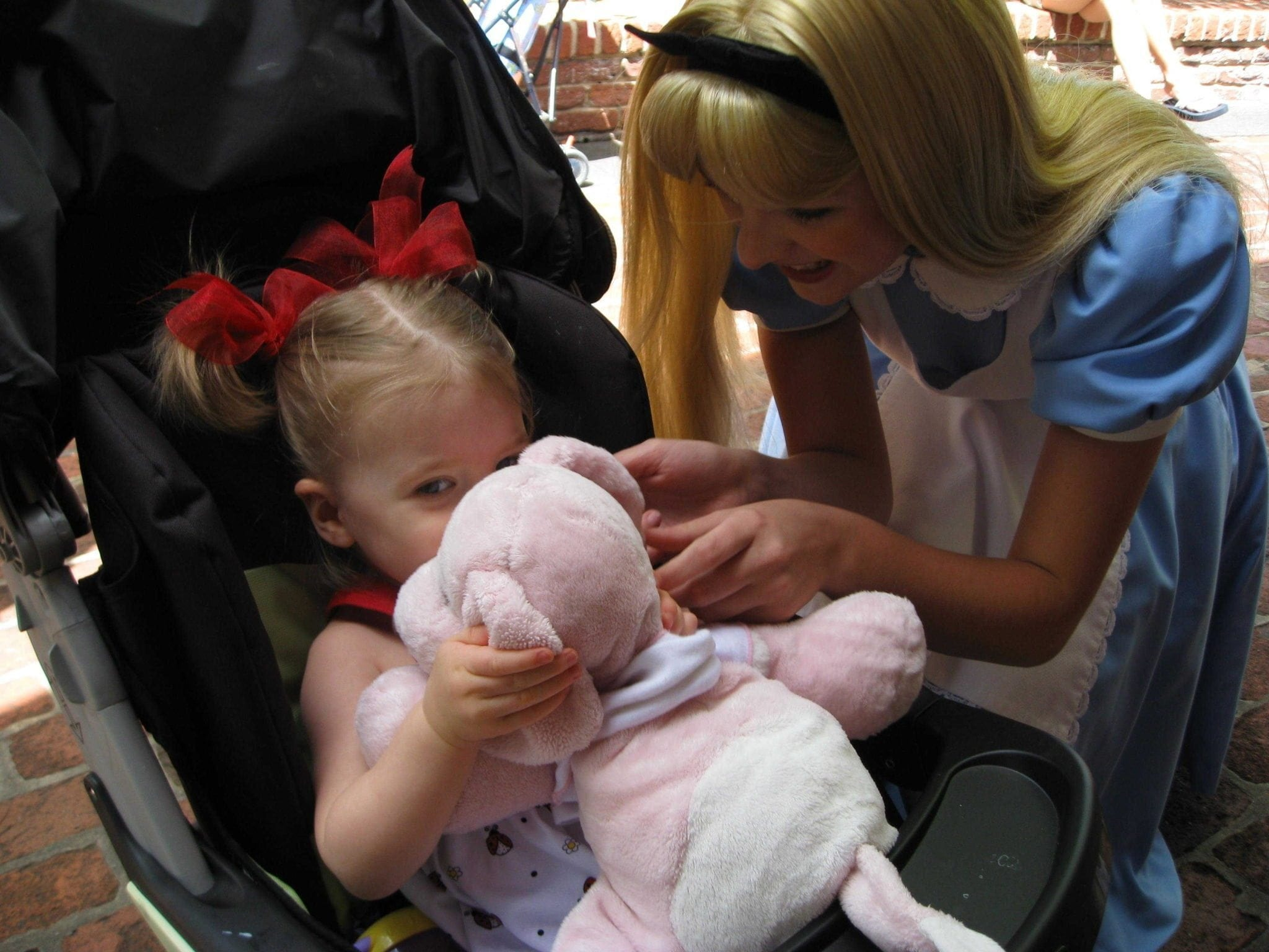 Meeting characters at Disney. Where to go for quiet at Disney, how to keep a husband happy on vacation and other funny tips for Disney vacations!