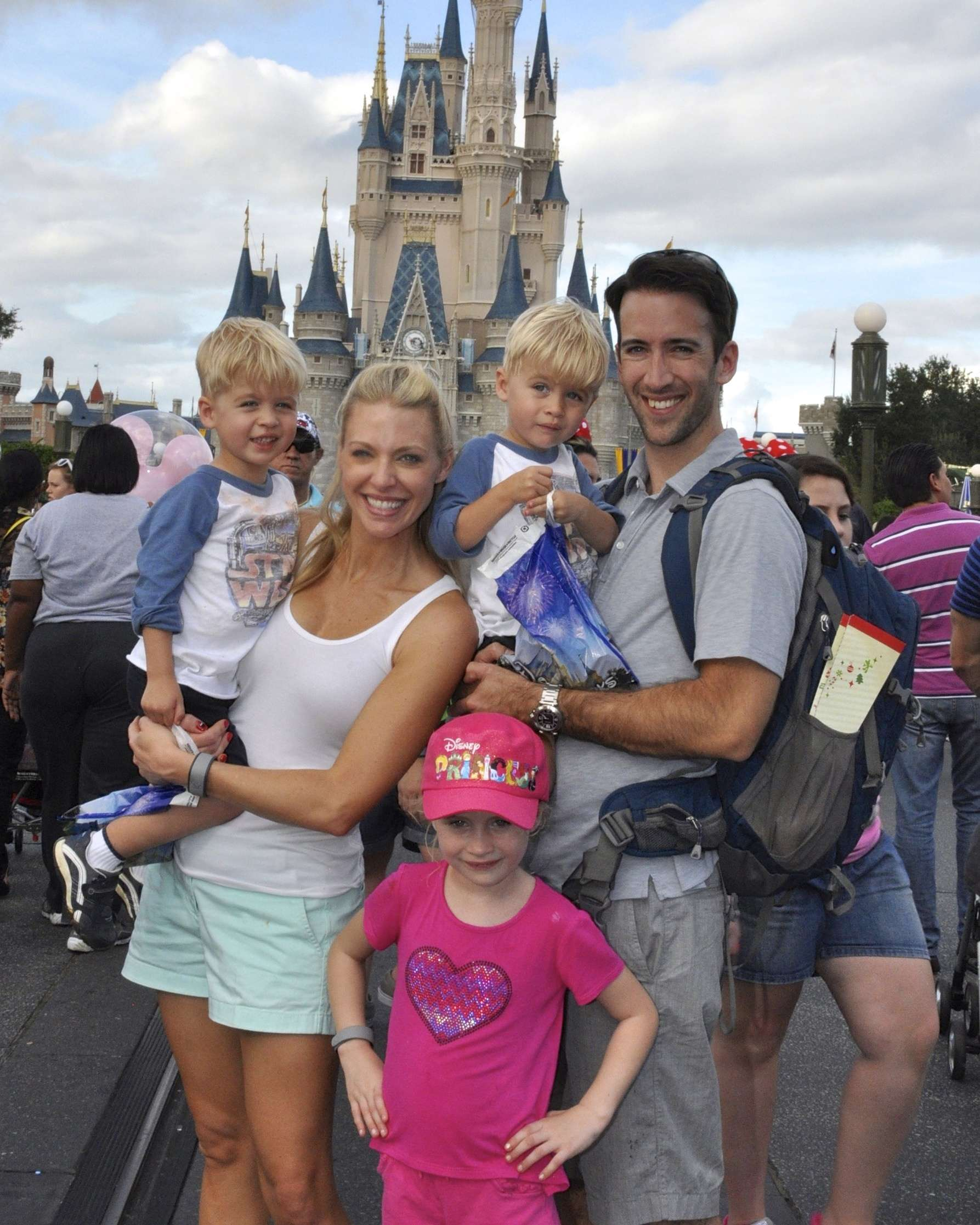 How to visit Disney World with kids. Tip pro tips from a former Disney employee on how to have fun at Disney World!