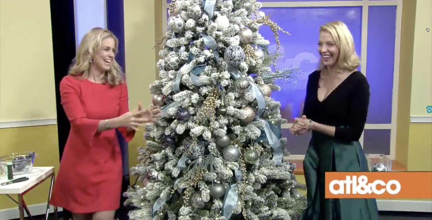 Tips to Decorating a Christmas Tree with cara kneer and kelly page