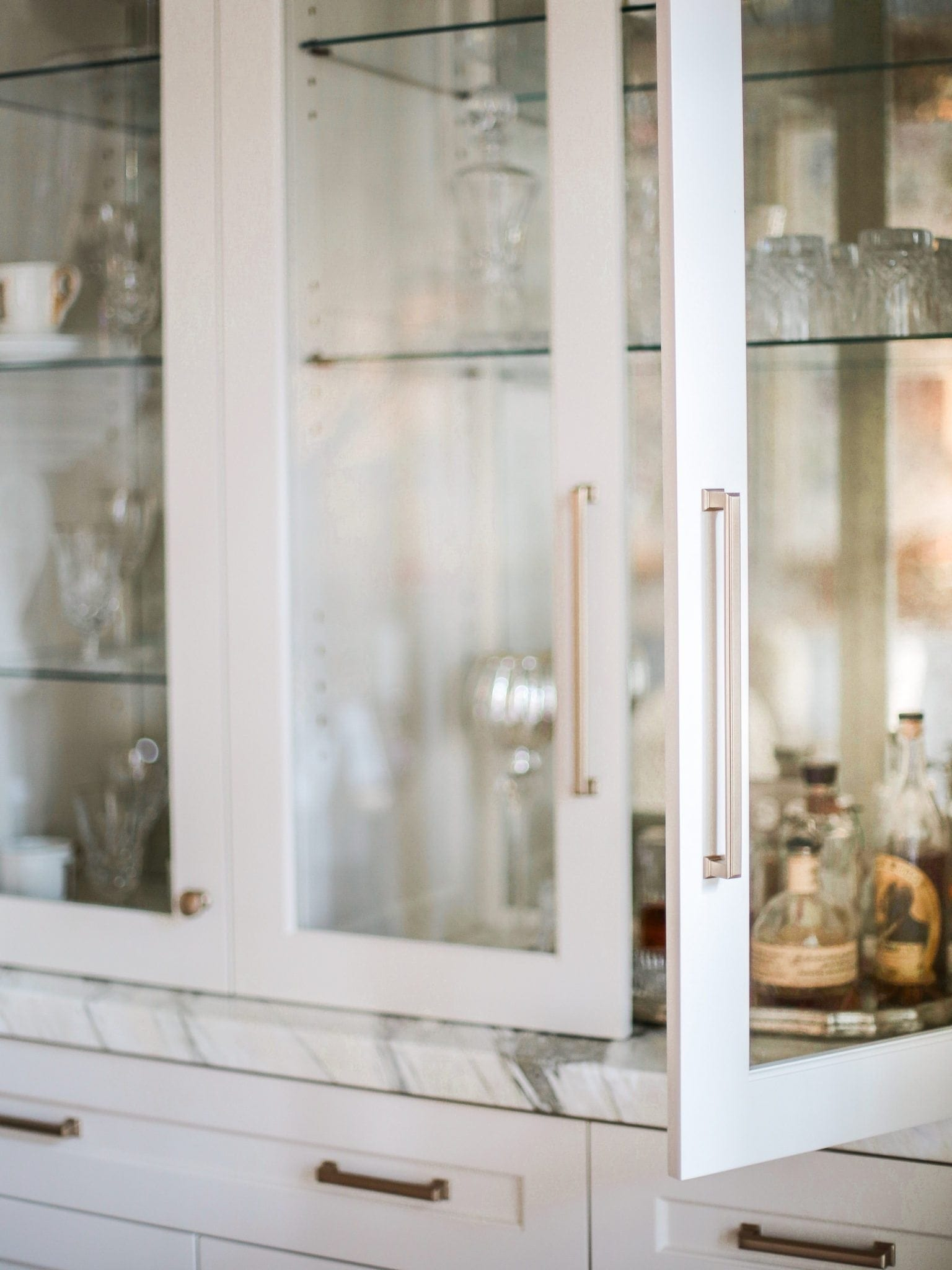 How to store glasses in a dining room.