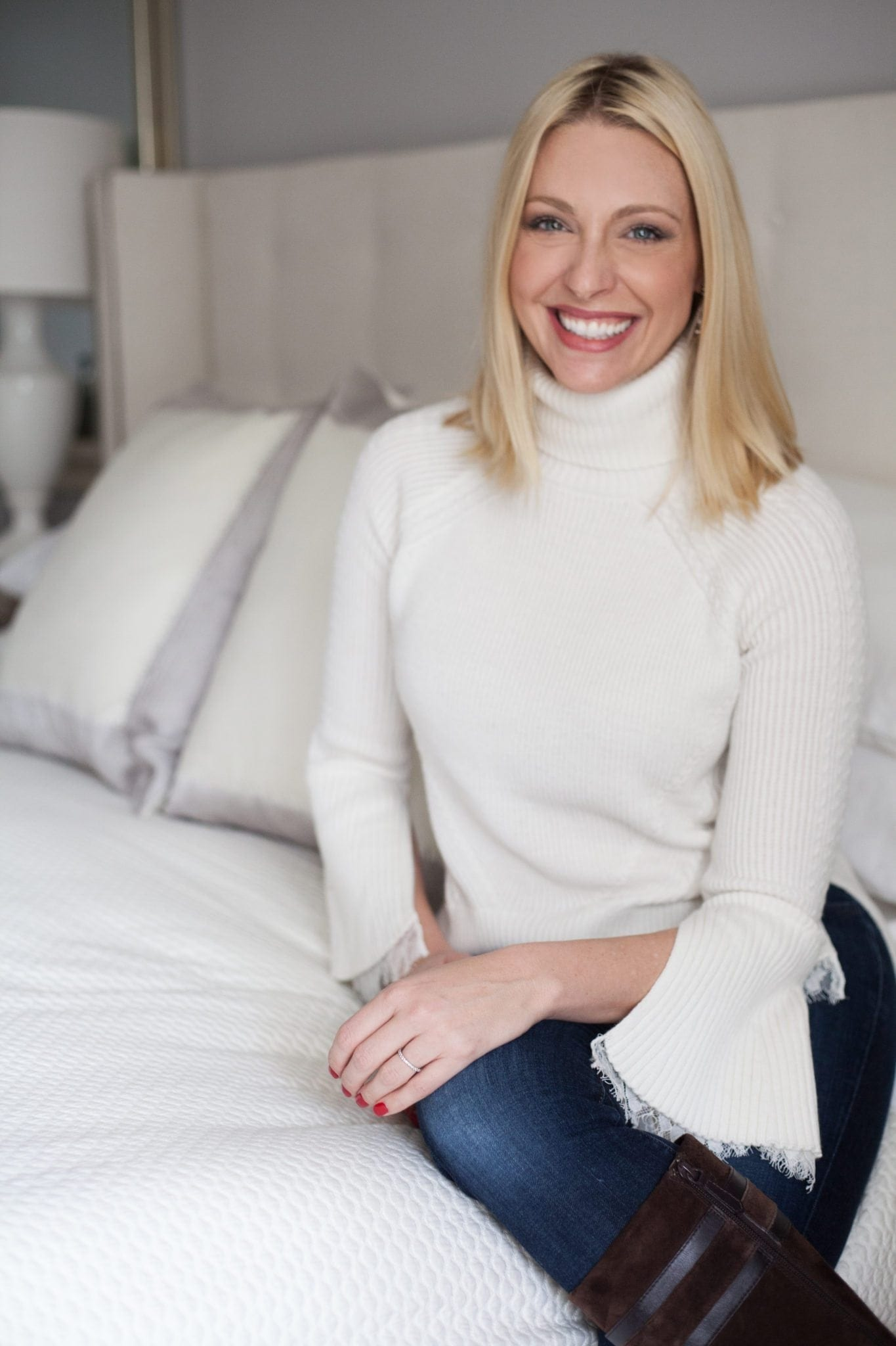 Kelly Page, bluegraygal, Atlanta lifestyle blogger.