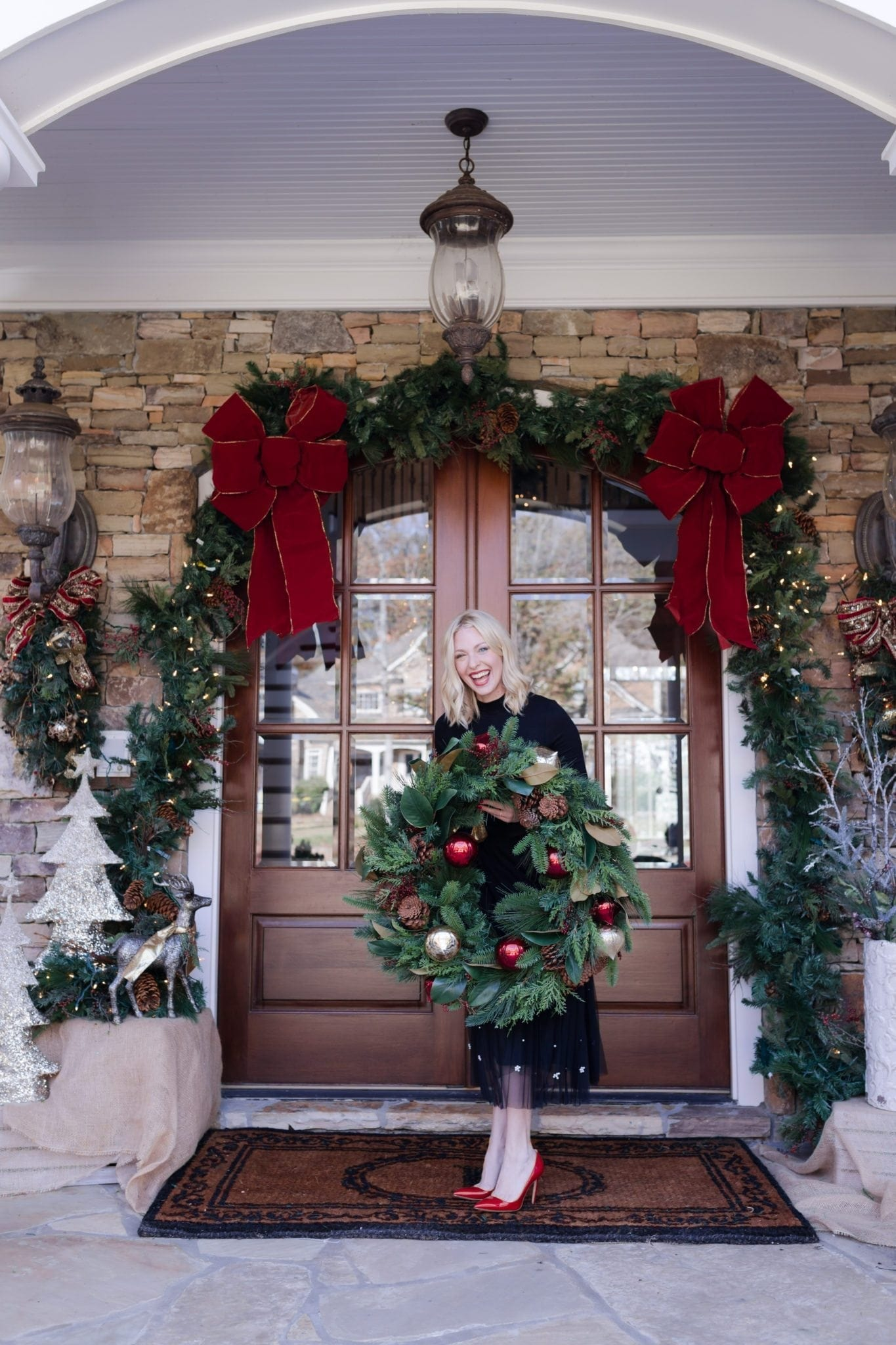 Christmas show house tour. How I decorate my house for Christmas.