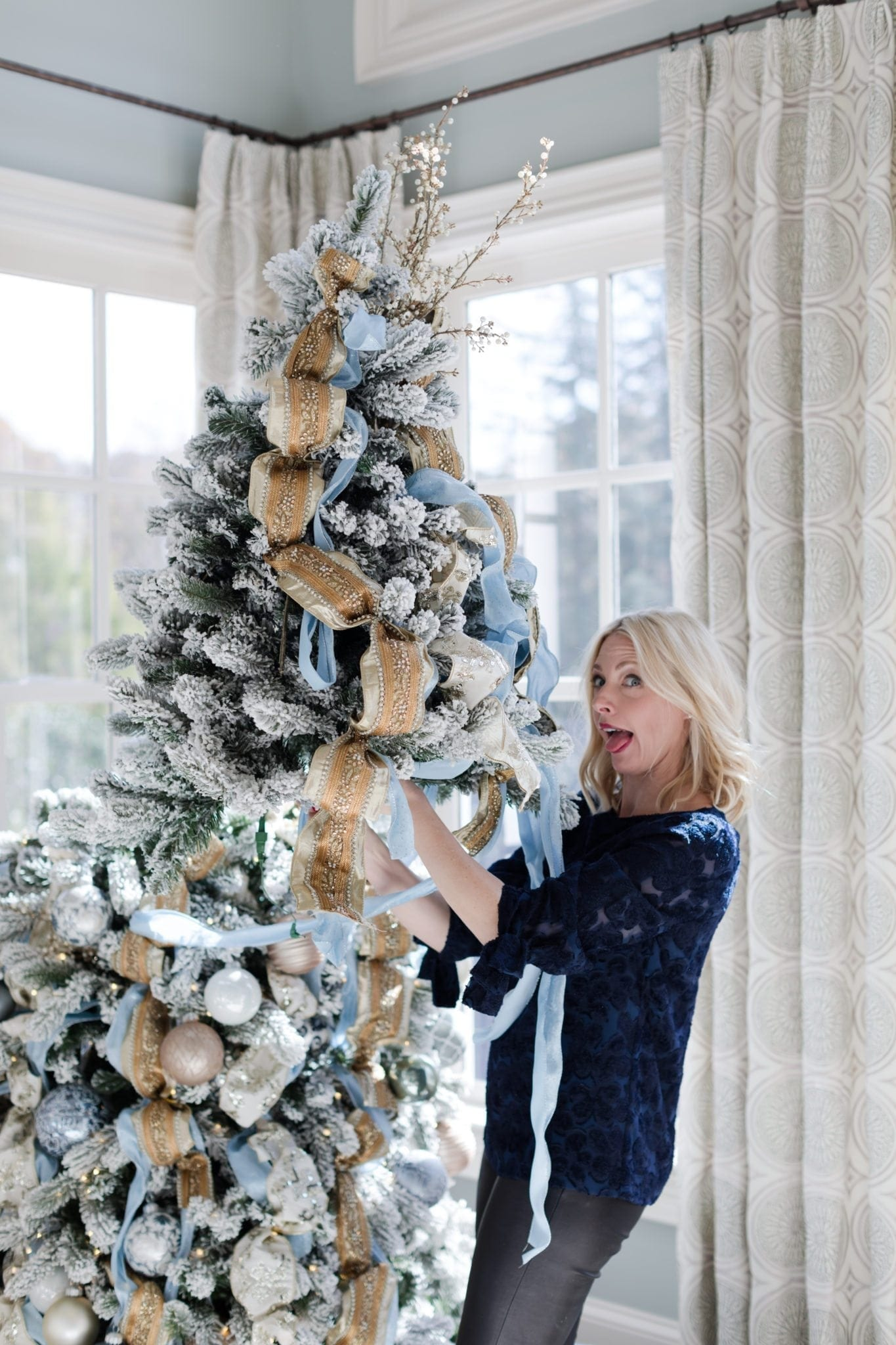 I'm teaching a tree decorating class in atlanta 11/27 – it's free to attend!