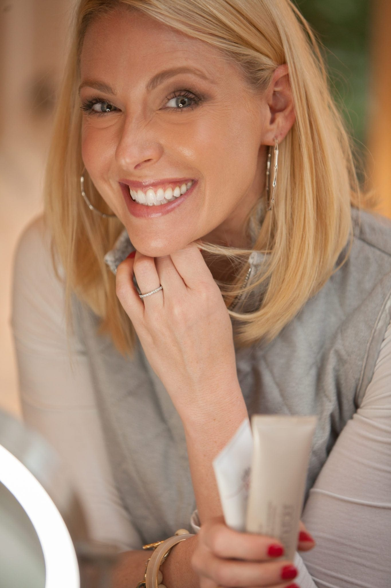 How to wear tinted moisturizer under foundation.