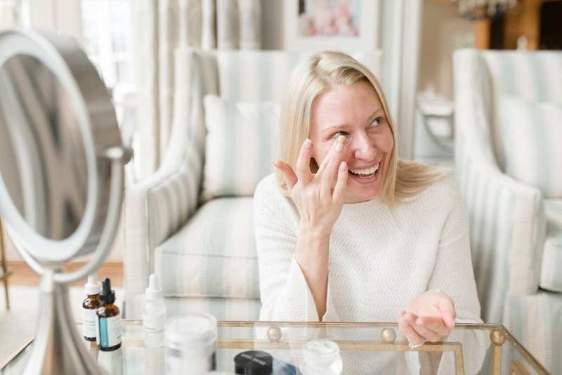 Bobbi Brown Eye cream review. Best moisturizer for eyes.