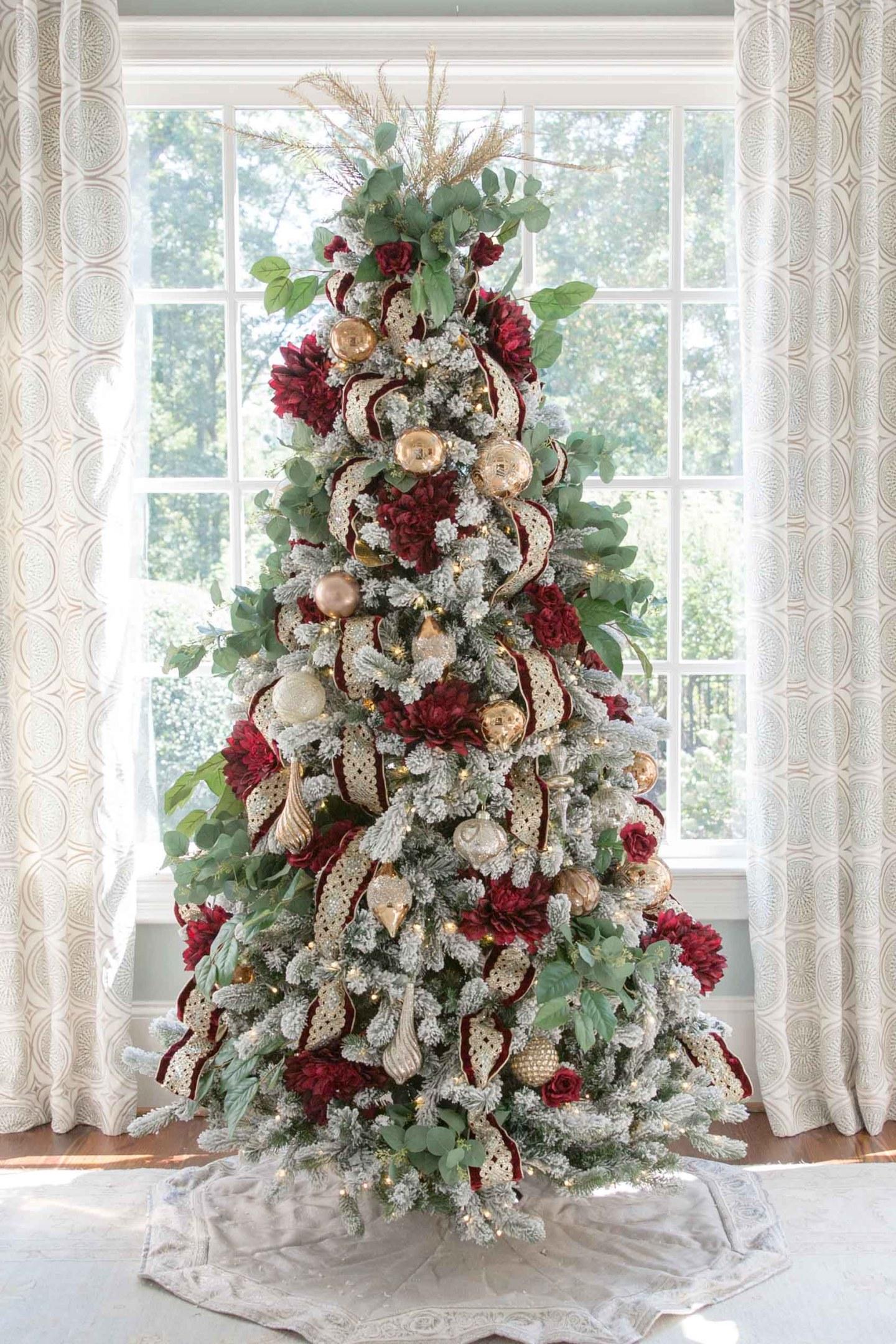 crimson and gold Christmas tree
