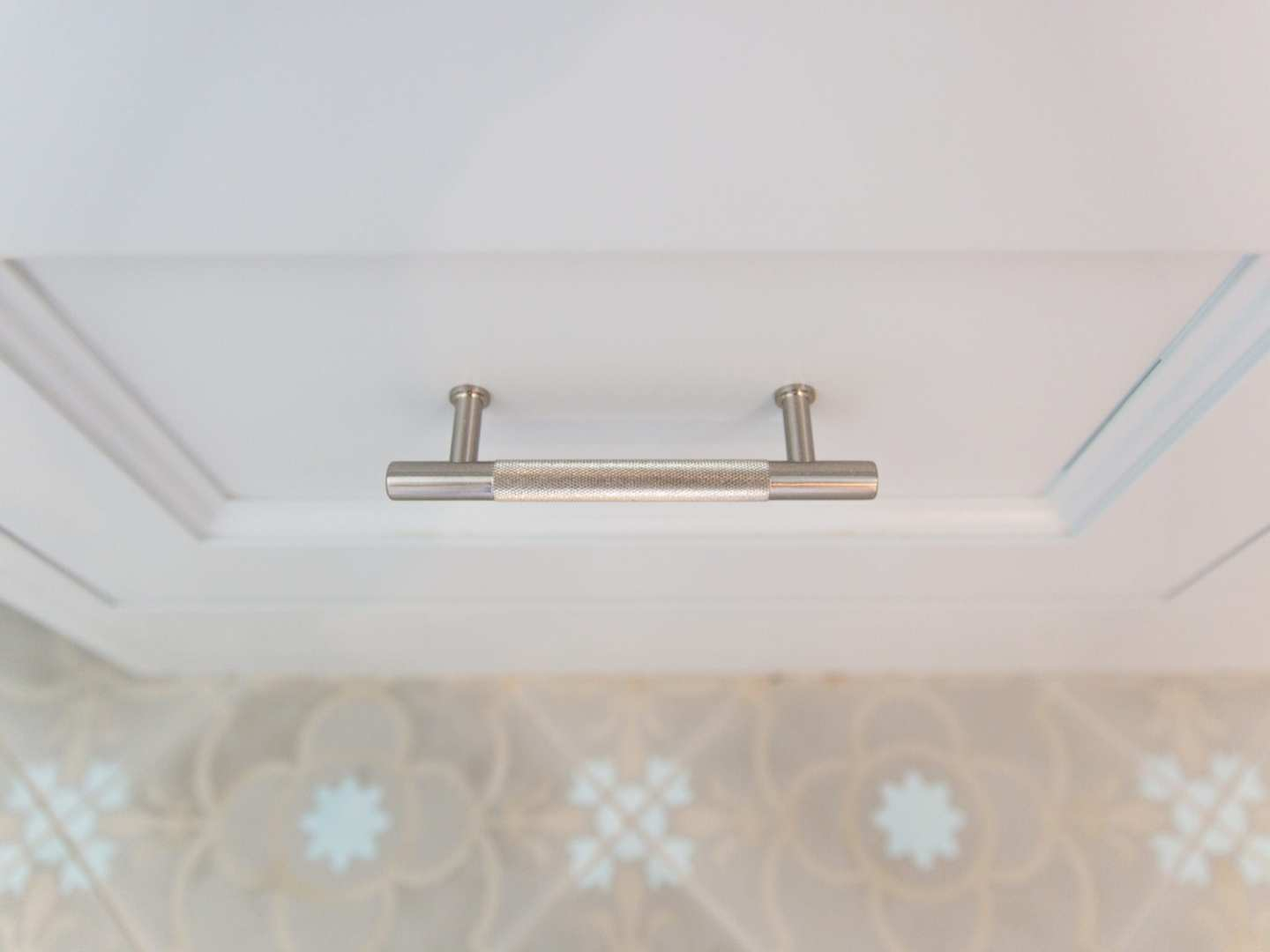 Kitchen Makeover with hardware from VESTA. Knurled Hardware pulls.