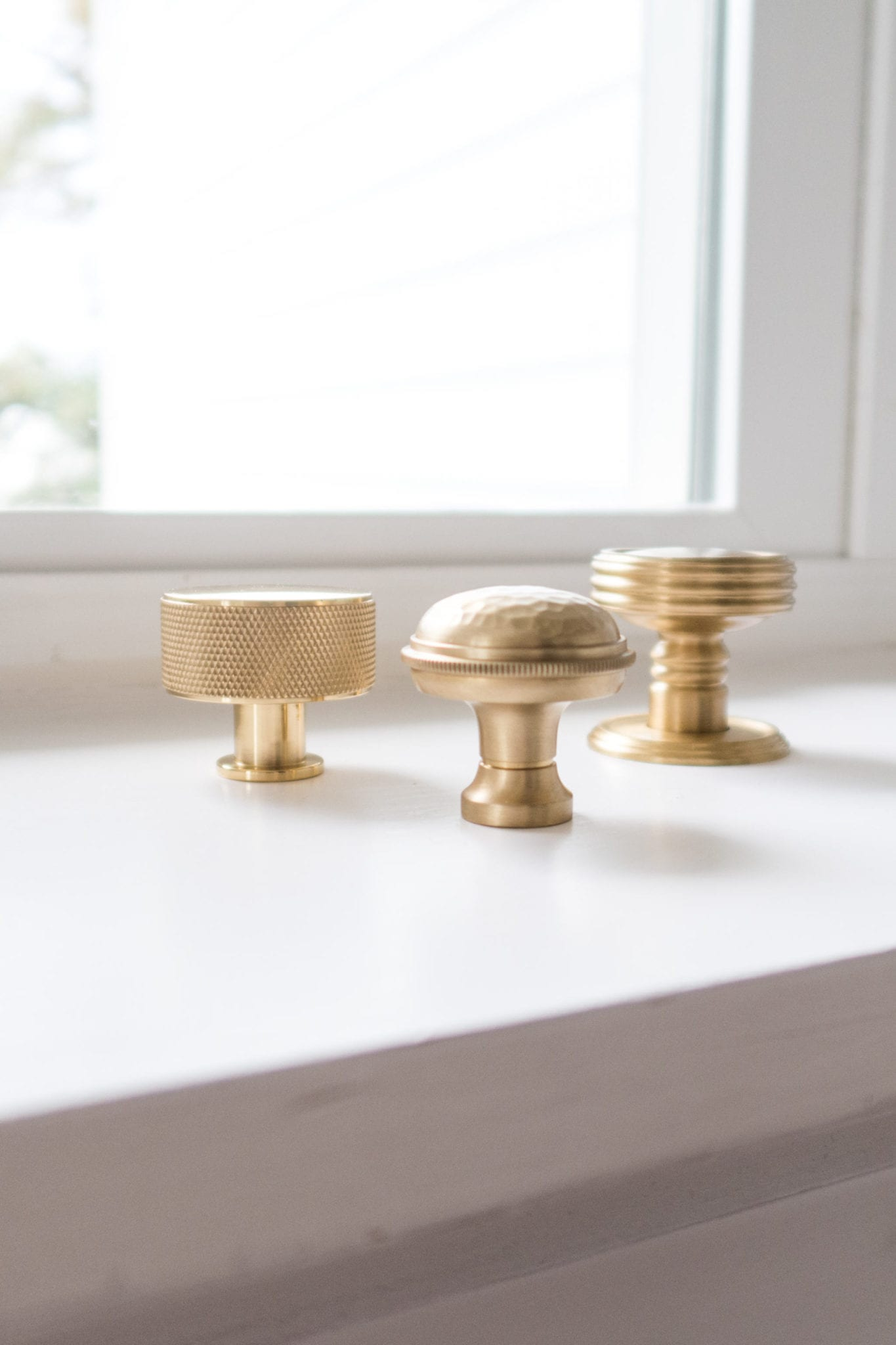 VESTA knobs. How to pick hardware for your kitchen makeover.