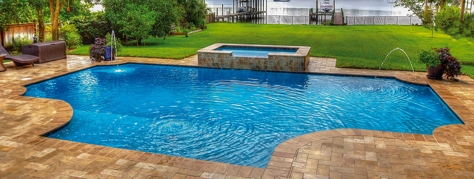 From traditional backyard pools to upscale poolside settings Paragon Pools of Jacksonville is proud to offer the best weekly pool cleaning service in Northeast Florida. Jacksonville Custom Swimming Pool Builders Blue Haven Pools
