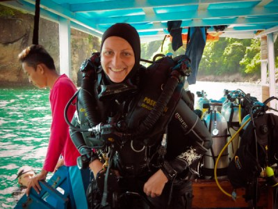 Theresia diving rebreather in Lembeh on the recreational CCR