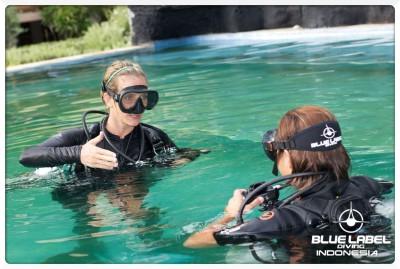 Sidemount Diver Training