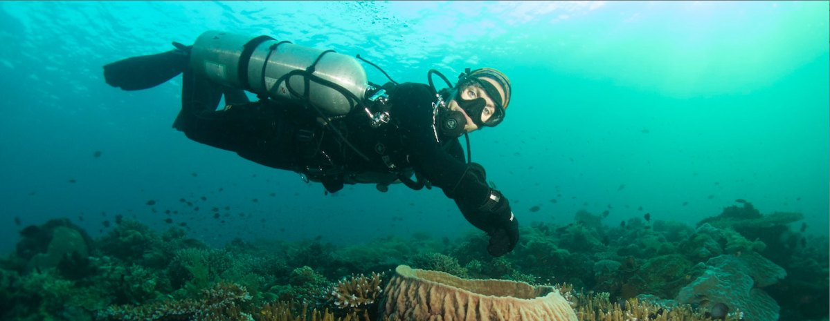Diving with Sidemount