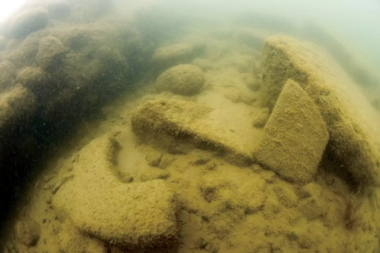 iznik underwater