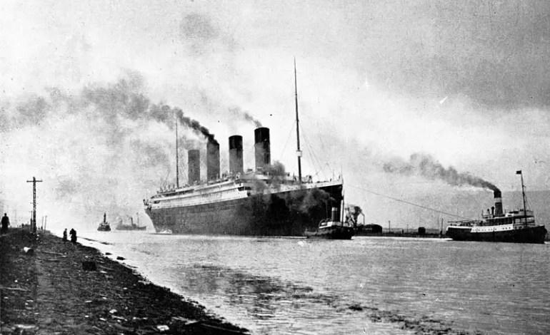 RMS_Titanic_sea_trials_April_2,_1912