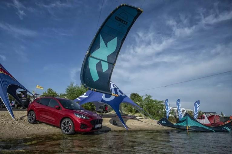 Ford Kuga Kite 1