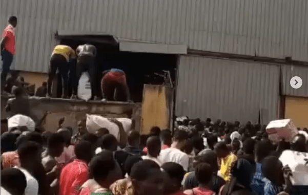 Breaking: Another warehouse filled with palliatives busted in Osun, residents cart away food items