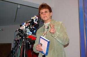 Bobbie Garvey, Synchronicity Foundation spokesperson, addresses media. ©2008 Nelson County Life Magazine