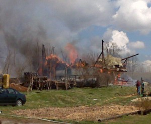Fire at barn at amFOG. Photo by Tommy Stafford, NelsonCountyLife.com.