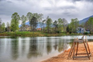 Photo By Paul Purpura : ©2009 NCL Magazine : Rain clouds roll in over Lake Monacan in Nellysford, Virginia late Sunday afternoon.