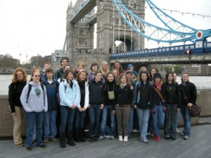 Photo By Mallory Crandall : ©NCL Magazine 2009 : Students from the Nelson County High School Foreign Language Club arrived in London this weekend.