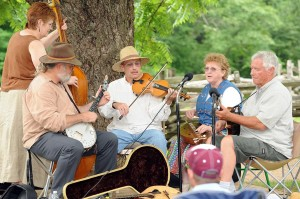 According to their website, The Highlander String Band is a collection of Rockingham County musicians playing traditional Appalachian Mountain music.