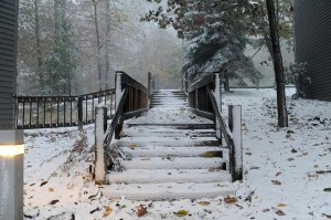 Photos By Paul Purpura : ©2009 www.nelsoncountylife.com : The first light snow of the season fell overnight at Wintergreen Resort, Virginia.  Click any photo to enlarge.