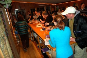 ©2010 www.nelsoncountylife.com : Photos by Yvette Stafford : Folks packed Wintergreen Winery Saturday night for their wine & cheese pairing.