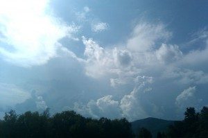 Photo By Tommy Stafford : ©2010 www.nelsoncountylife.com : Thunderstorms begin developing Sunday afternoon over the Bllue Ridge Parkway in Nelson County, Virginia