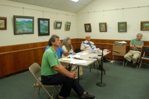 ©2010 www.nelsoncountylife.com : Bob Carter (left) Community Svcs Dir VA Department of Historic Resources moderates a panel discussion Sunday afternoon at the Nelson Library. Tommy Stafford (hidden next to Carter) Publisher of NCL, Lynn Coffey, writer & publisher of Backroads magazines & Backroads (book), along with Paul Saunders, author of Heartbeats of Nelson, answer questions from the audience.