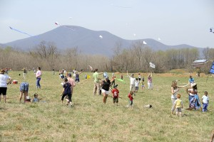 ©2014 Blue Ridge Life Magazine : Photos By BRL Mountain Photographer Paul Purpura : Countless kids and adults turned out for the annual kites festival coordinated by The Rockfish Valley Foundation. It's held around this time each year in the Bold Rock Field Behind Bold Rock Hard Cider.