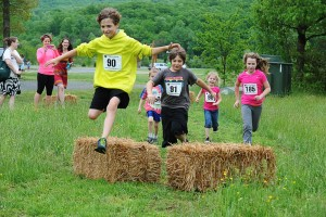30 minutes before the main race at the DB Steeplechase, there was a kids fun run.