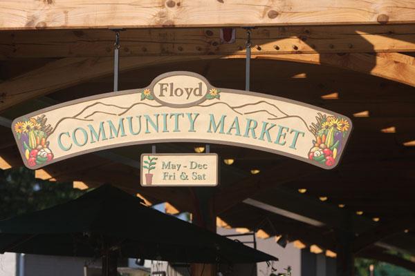 Weekend: Community Market opens