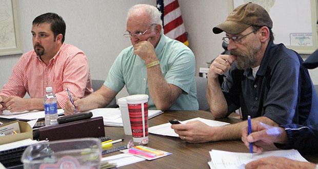 Floyd County Supervisors Lauren Yoder, Joe Turman and Case Clinger.