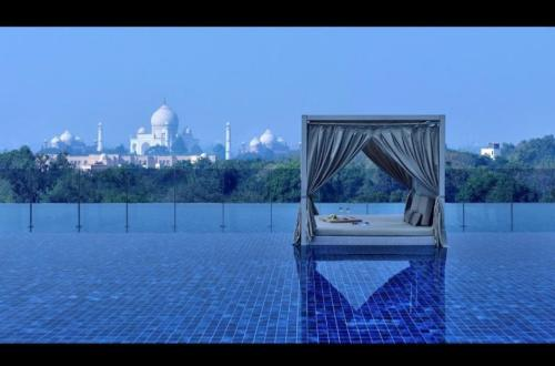 luxury hotel agra