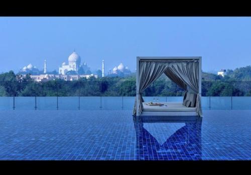luxury hotel agra