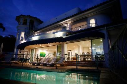 Luxury Ocean Front Villa in Lahaina Maui