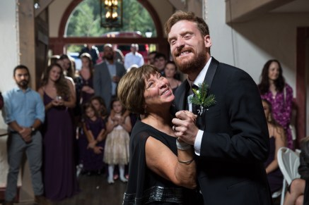 Colorado_wedding_photography_Evergreen_Red_Barn_018