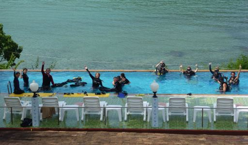 canadian dive group, Pool Confined Water Divers Koh Phi Phi Thailand