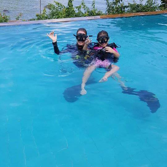 KIDS DIVING, bubblemaker for kids, Discover scuba diving, pool training phi phi island