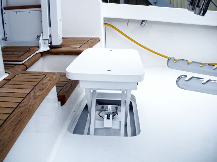 Scissor Actuated Cockpit Step Lift