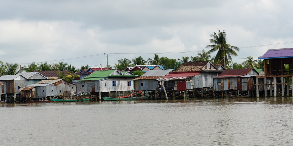 Homes along the Kampong Bay River