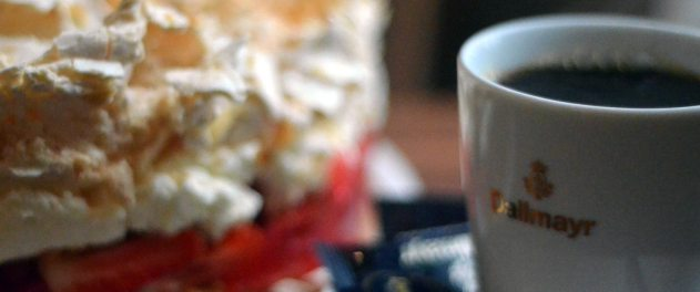 Kaffee und Kuchen im Blumenhaus Café in Friedrichstadt