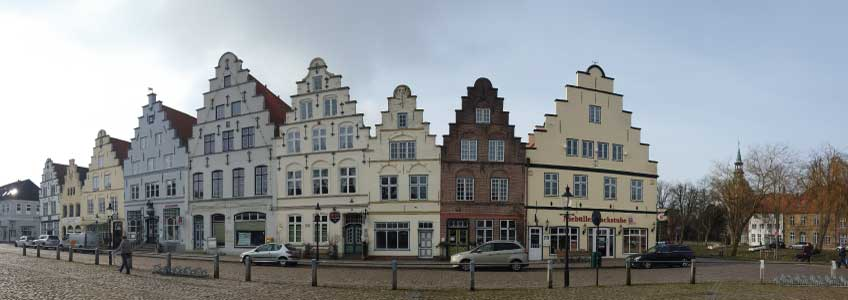 Friedrichstadt Tagesausflug zu Christin Blumenhaus-Cafe zu Kaffee Kuchen und Torten