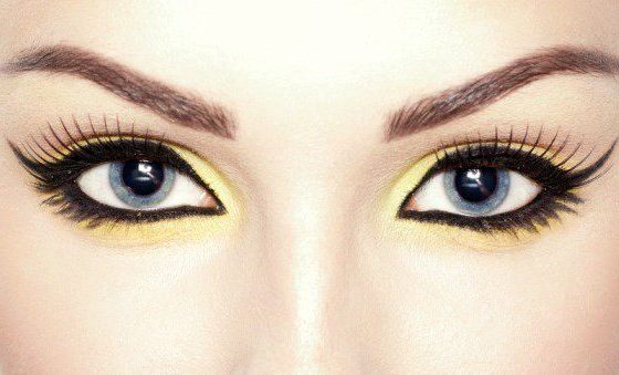 Tricks That Will Help Your Eyeliner Stay Longer