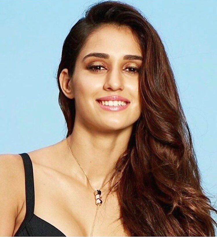 Disha Patani Super HOT Actress Disha Patani Sizzles In Sexy Outfit | Brand New HD Pics Disha Patani Super Hot Photo Stills 16