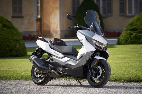 Κάνε δικά σου τα νέα mid-scooter C400X και C400GT με όφελος έως 500€ και Άτοκη Χρηματοδότηση Zero2Ride
