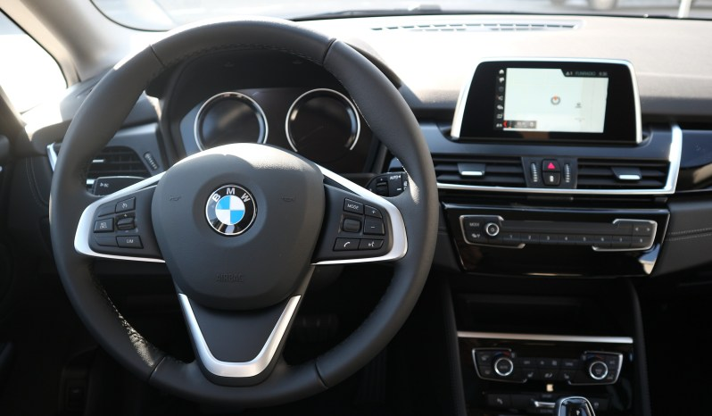 BMW 218d xDrive Active Tourer full