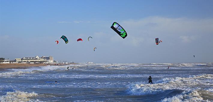 Goring Beach Kitesurfing